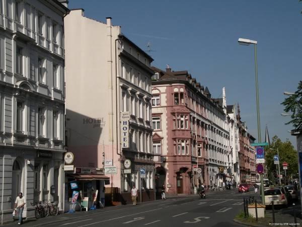 Hotel Djaran Garni