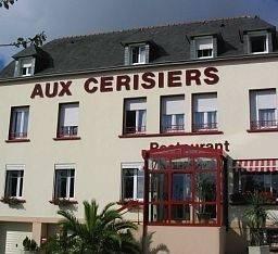 Aux Cerisiers Contact Hotel