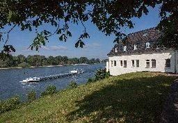 Hotel Schnellenburg am Rhein