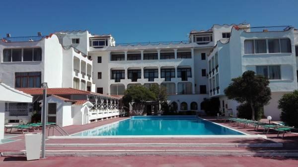 Hotel International Resort