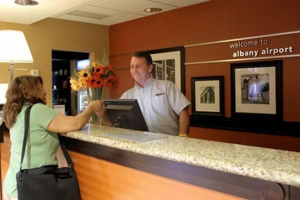 Hampton Inn - Suites Albany-Airport