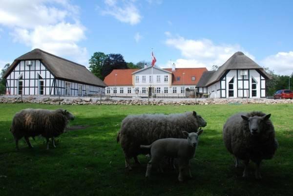 Hotel Fladbro Kro