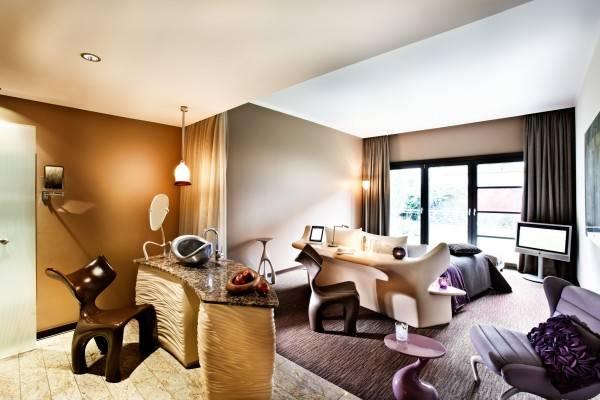 Hotel east