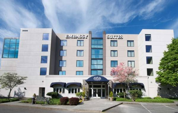 Hotel Embassy Suites by Hilton Seattle North Lynnwood