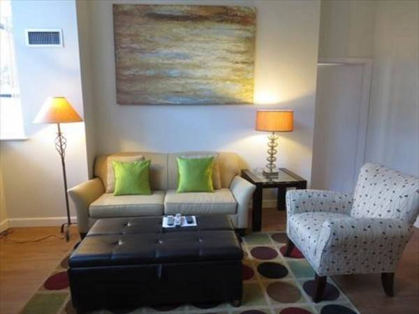 Hotel Global Luxury Suites at Kendall Square Lofts