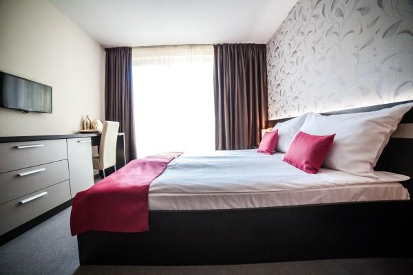 Auris Hotel
