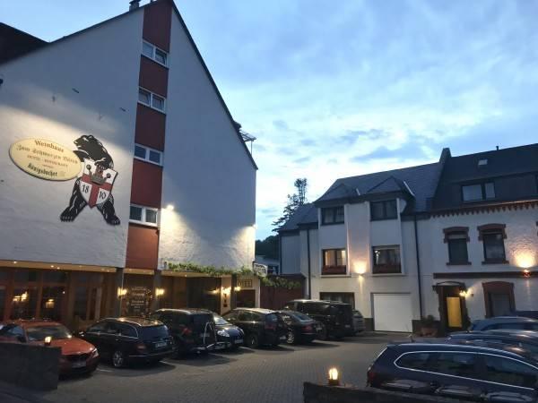 Hotel Zum Schwarzen Bären Weinhaus