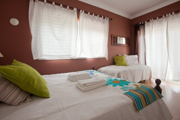 Ericeira Chill Hill Hostel & Private Rooms