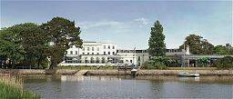 Hotel Christchurch Harbour