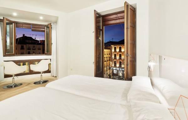 Hotel AMC Granada Hostal