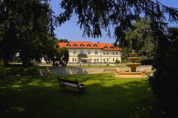 Hotel Grof Degenfeld Castle
