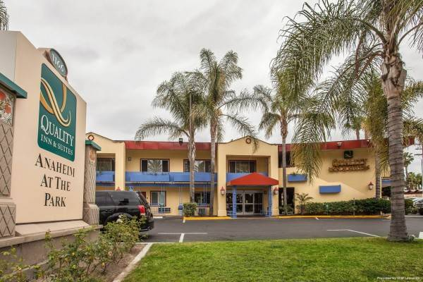 Quality Inn and Suites Anaheim at the Pa