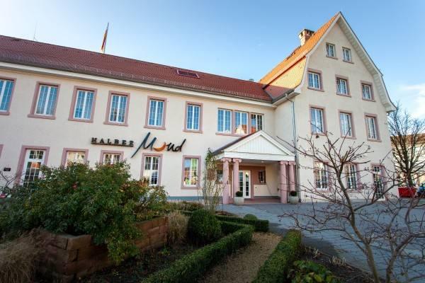 Hotel Halber Mond