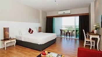 Hotel V8 Seaview Jomtien