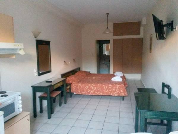 Zannis Hotel Apartments