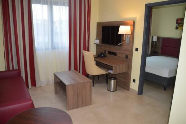 Hotel Naam Apartments