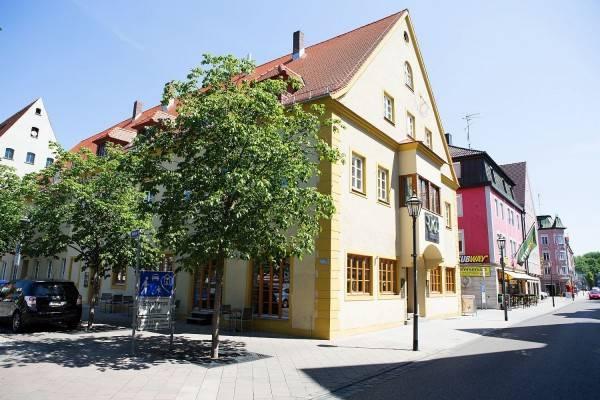 Hotel RiKu Hallhof