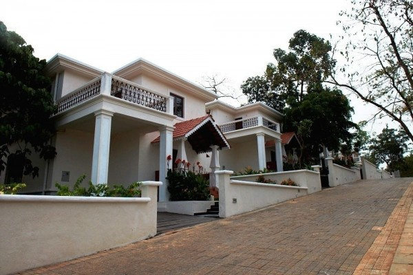 Hotel Pinto Rosario Square Resort and Spa