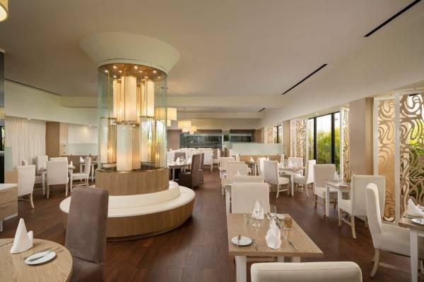 Hotel CIRCLE AT PARADISUS PALMA REAL