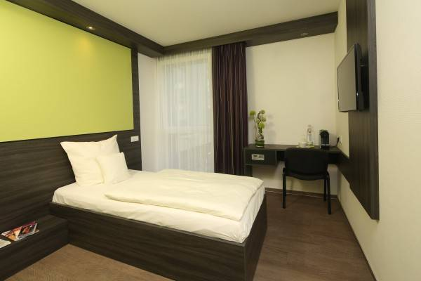 Hotel Economy