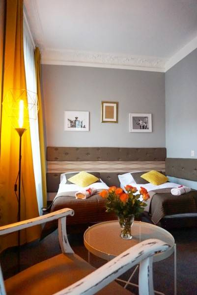 Hotel EXPOLIS RESIDENCE Rooms & Apartments