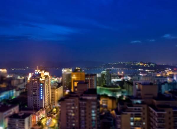 Hotel Huachen International