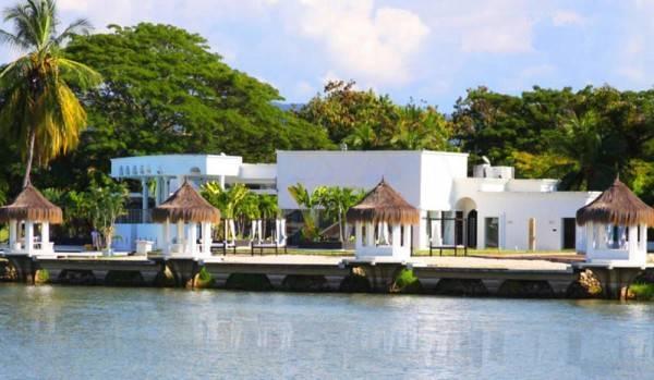 Hotel Monasterio Resort