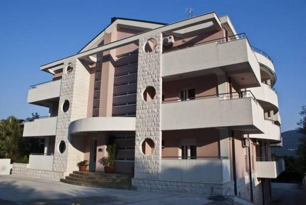 Hotel Apartments Villa Milica