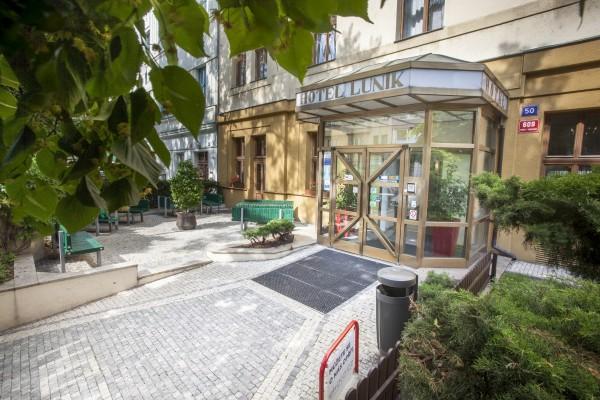 Hotel Lunik