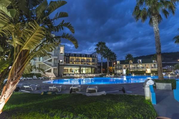 Hotel Temesa Village