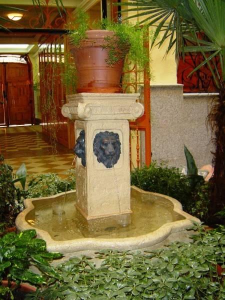 Hotel La Fontana Hostal
