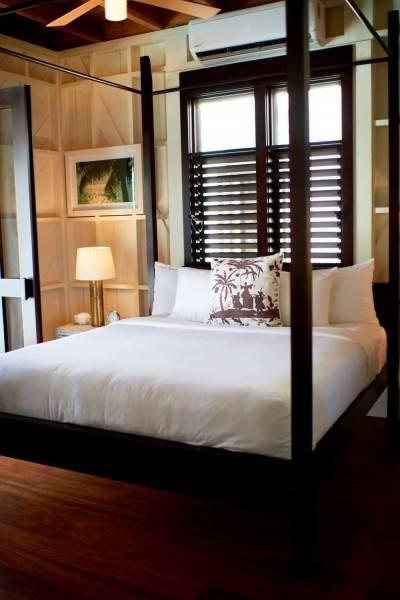 Hotel Mahogany Bay Resort - Beach Club Curio Collection by Hilton