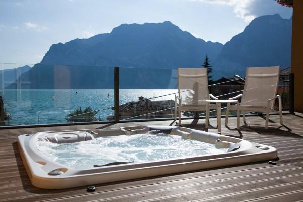 Hotel Lago di Garda - 4 HRS star hotel in Nago–Torbole (Trentino ...
