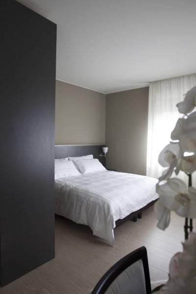 Hotel Zara Rooms & Suites