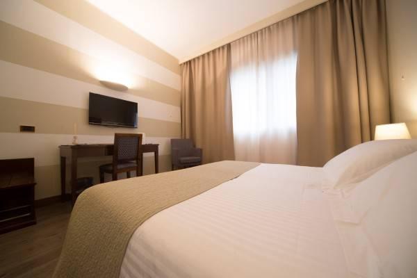 Ascot Hotel Motel