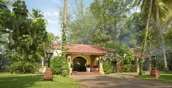Hotel Taj Holiday Village Resort Spa