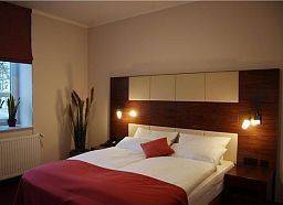 Hotel Adena