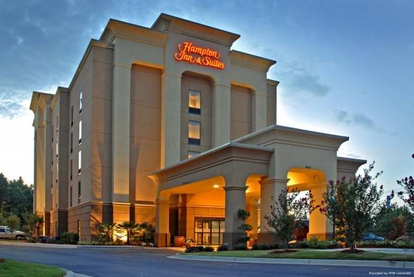 Hampton Inn - Suites ATL-Six Flags
